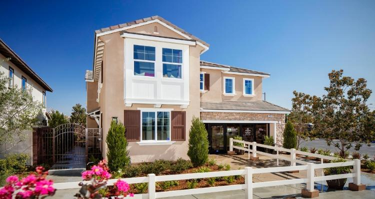 Unifamiliar por un Venta en Palisades At The Preserve - Residence One 7832 Wild Rye Street Chino, California 91708 United States