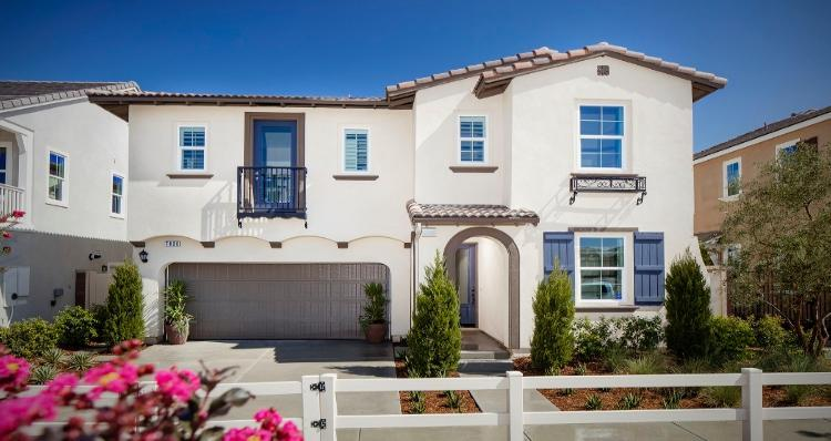 Unique la famille pour l Vente à Palisades At The Preserve - Residence Three 7832 Wild Rye Street Chino, California 91708 United States
